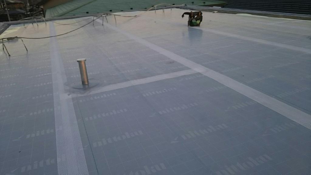 屋上の防水工事(ウレタン通気緩衝工法) 埼玉県さいたま市緑区にお住いのT様邸の外装リフォーム