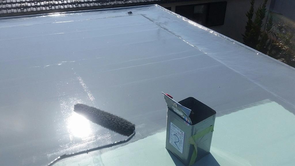 屋上の防水工事(ウレタン通気緩衝工法)|埼玉県さいたま市緑区にお住いのT様邸の外装リフォーム