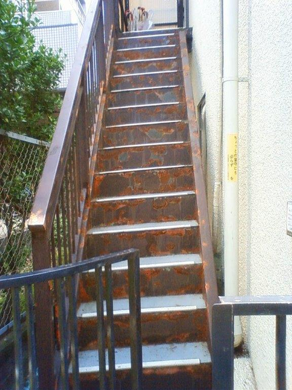 鉄骨階段の鉄部塗装|埼玉県川口市のE様邸にて塗り替えリフォーム